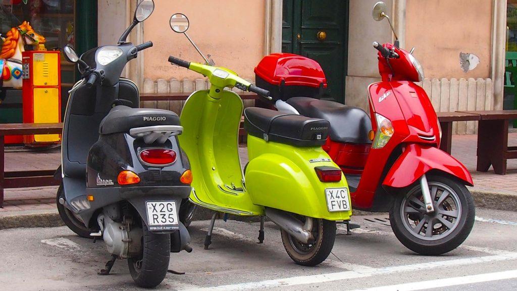 Kleinkrafträder mit Versicherungskennzeichen