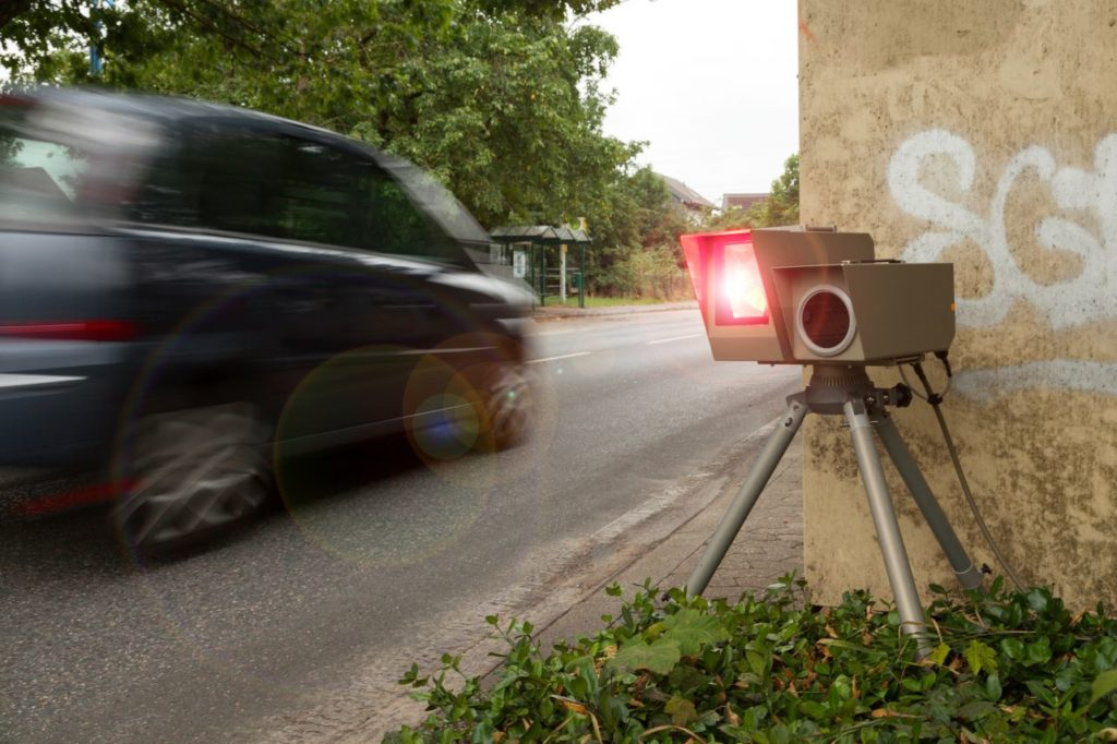 Mobile Blitzer werden oft in Baustellen oder an Unfallschwerpunkten aufgebaut.