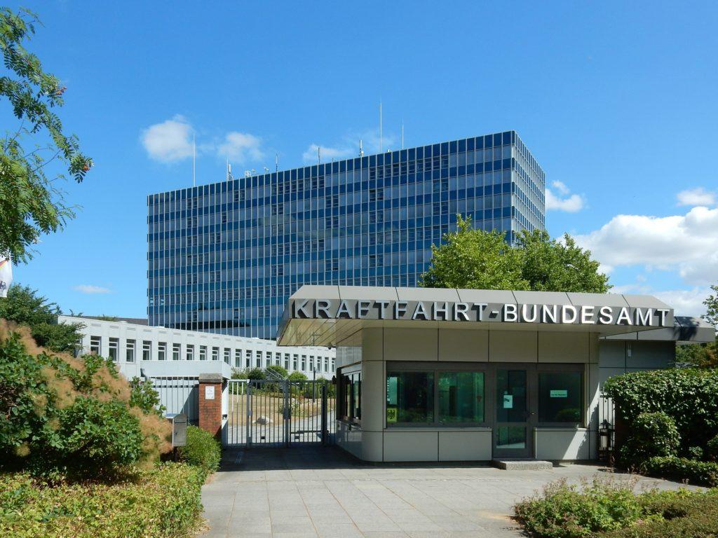 Punkte für Verkehrsdelikte werden im Fahreignungsregister beim Kraftfahrt-Bundesamt in Flensburg eingetragen.