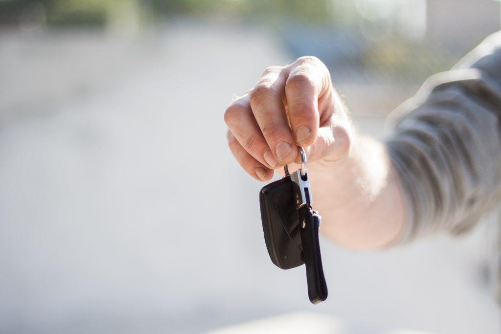 Wird die Fahrerlaubnis in der Probezeit entzogen, muss der Führerschein erneut beantragt werden.