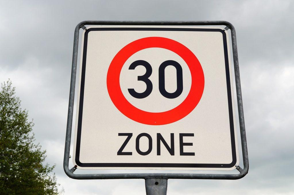30er Zone beginnt: Tempoverstöße werden geahndet.
