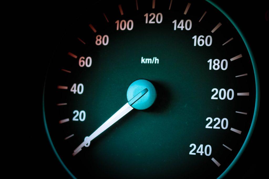 Schrittgeschwindigkeit: Schritt fahren ist gelegentlich innerorts notwendig.