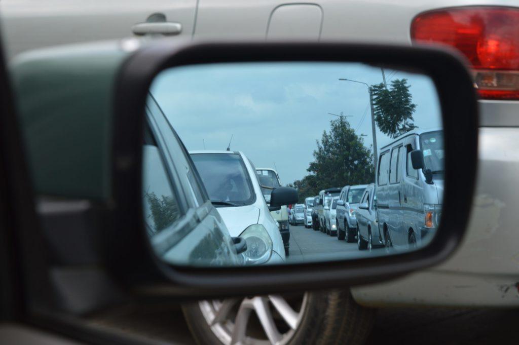 Drängler auf der Autobahn können wegen Nötigung angezeigt werden.