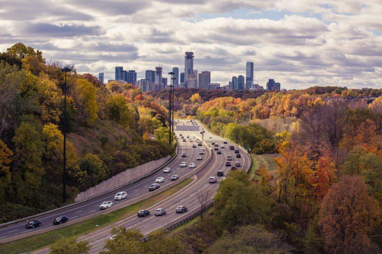 Autobahn XX km/h zu schnell: Punkte & Fahrverbote 2021