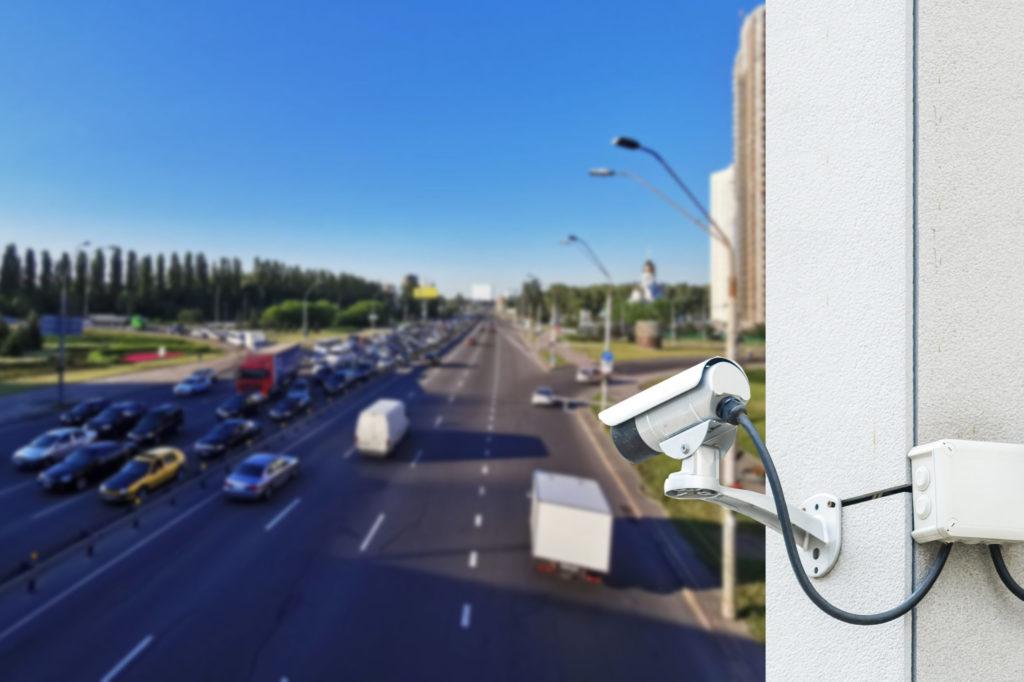 Abstandskontrolle mit Kamera auf Autobahn