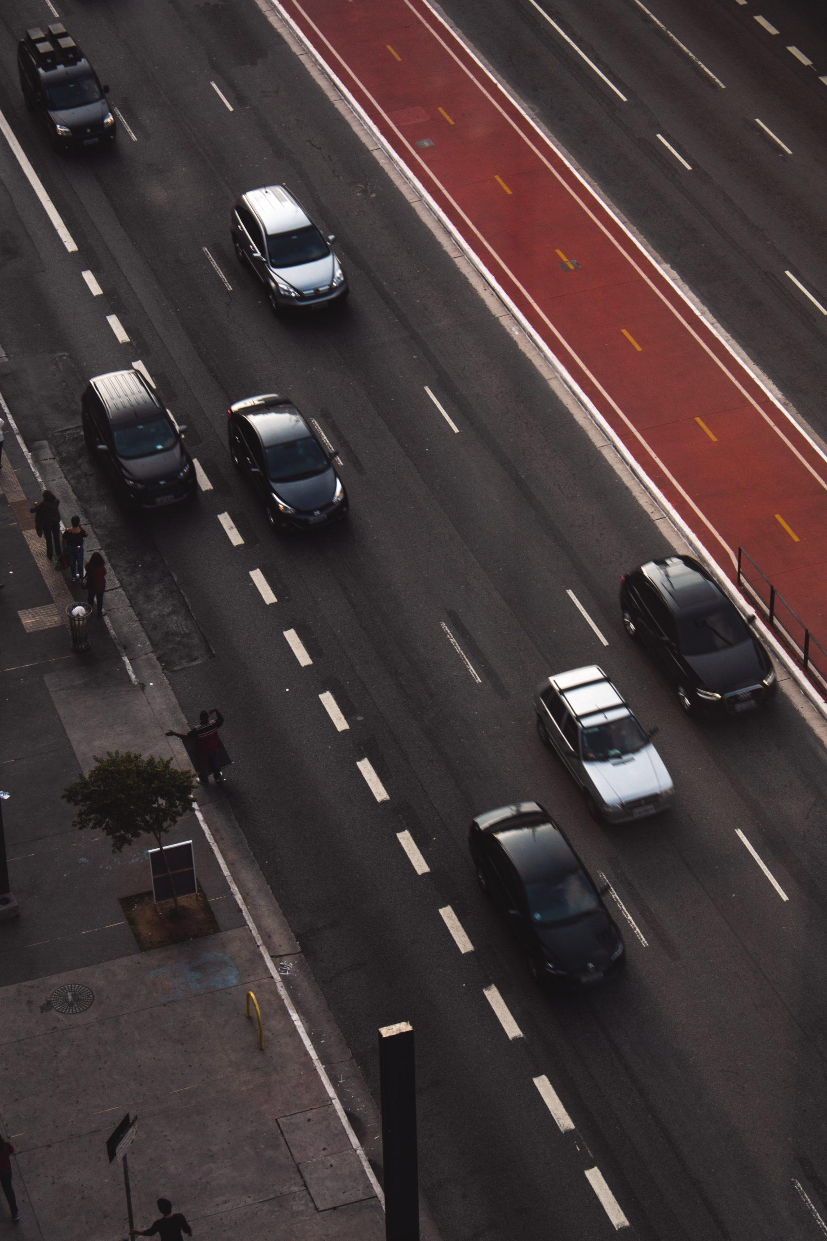 Abstandskontrolle auf Autobahnen zum Aufspüren von ...